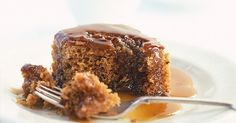 Try our sticky toffee pudding recipe for an easy dessert recipe. This sticky date pudding is an easy sticky toffee pudding to make for an easy dessert Easy Desserts, Delicious Desserts, Dessert Recipes, Yummy Food, Tasty Meals, Cake Recipes, Yummy Treats, Sweet Treats, Sticky Toffee Pudding