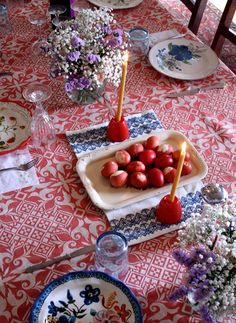 This is the most beautiful table. I am in love with the colors and patterns.