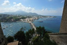 In Italien Gibt Es Ganz Wunderbare Thermalbäder. Zum Beispiel Auf Der  Vulkaninsel Ischia: Hier