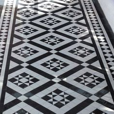 Victorian floor tiles and contemporary geometric ceramic tiles. Specialists in the design and supply of mosaic tile schemes. Victorian Front Garden, Victorian Hallway, Victorian Tiles, Hall Tiles, Tiled Hallway, Balcony Tiles, Patio Tiles, Black And White Hallway, Black White