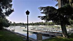 Embarcadero en el estanque artificial del Parque del Retiro