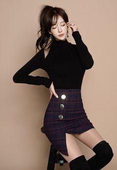 Korean Model, Fashion Outfits, Womens Fashion, Asian Beauty, Korean Fashion, High Waisted Skirt, Dress Up, Poses, Sexy