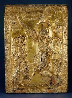 Constantinople XIIe siecle? Plaque du reliquaire De la pierre du sépulcre du christ: les saintes femmes au tombeau  Trésor de la sainte chapelle de Paris argent doré, cire sur âme de bois