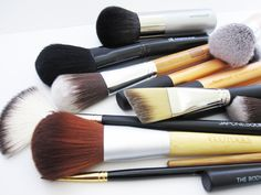 Beauty Debate: Natural vs Synthetic Make-up Brushes - Which do you use and why?  Ecotools, Everyday Minerals, Real Techniques, Japonesque, Elf, The Body Shop  #beauty #brushes #makeup