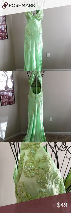 "Niki Livas Satin Gown Beaded Embroidered Retro 14 Shimmery light green satin Sequins, beads, embroidery & appliqués Fit & flare Open back Zipper back Retro, 20's style Fully lined Padded bra cups Pre-owned. Lovely condition Size 14 *RUNS SMALL Measurements (lying flat):  Length: 60 inches Bust: 16 1/2 inches  Waist: 14 inches  Cups measure: 7""x 6"" Hip: 16 1/2 inches Niki Livas Dresses"
