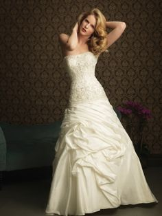New Taffeta Strapless A-Line Sleeveless Wedding Dress with Chapel Train BPW038