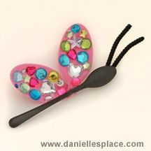 Bugs and Insect Crafts Plastic Spoon Crafts, Wooden Spoon Crafts, Plastic Spoons, Insect Crafts, Bug Crafts, Camping Crafts, Classroom Crafts, Preschool Crafts, Art For Kids