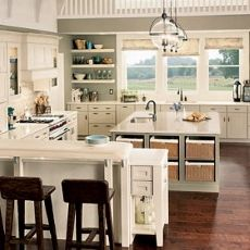 Photo+Source:+Lowes.ca+Are+you+storing+cookies+in+the+microwave?+Do+you+wonder+where+your+sink+went?+Don't+worry,+there+are+a+lot+of+strategies+for+finding+storage+space+in+even+the+tiniest+kitchen.+The+trick+to+having+enough+kitchen+storage,+and+making+the+kitchen+look+great,+is+to+maximize+…
