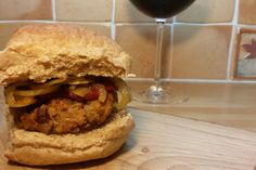This is the very best Vegan Burger Recipe online. Full of nuts for protein and mushrooms for a rich flavour, these vegan burgers are easy to make and totally delicious. Ultimate Veggie Burger Recipe, Best Vegan Burger Recipe, Vegan Burgers, Blender Recipes, Vegan Recipes, Cooking Recipes, Runners Food, Vegan Runner, Veggie Delight