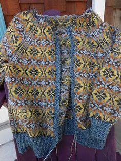 a knit and crochet community Fair Isle Knitting Patterns, Knit Patterns, Stitch Patterns, Knitting Yarn, Free Knitting, Vintage Knitting, Motif Fair Isle, Crochet Wool, Crochet Granny