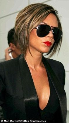 Hair Beauty - It's a match: Nina perfectly pulled off Victoria's razor sharp bob, penchant fro black and trademark pout (pictured in Victoria Beckham Short Hair, Victoria Beckham Hairstyles, Medium Hair Styles, Short Hair Styles, Hair Highlights, Caramel Highlights, Color Highlights, Great Hair, Bob Hairstyles