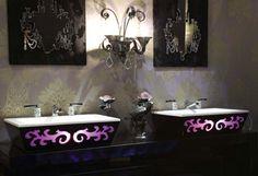 waschbecken badezimmer hinterbeleuchtung lila arabesque