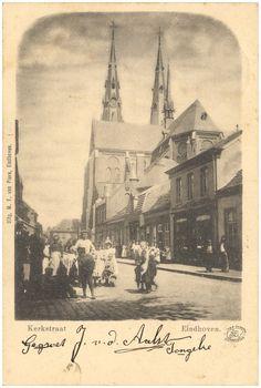 16214 Kerkstraat, met op de achtergrond de Catharniakerk... | Zoek resultaat | Fotohistorisch Eindhoven, Corrie Ten Boom, Vintage Photos, Holland, Van, Black And White, City, Pictures, Nostalgia