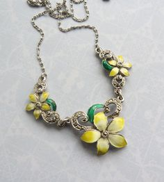 VINTAGE 1950s Yellow Spring Flowers Enamel Marcasite NECKLACE