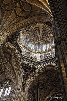 Salamanca, Spain Sacred Architecture, Architecture Details, Sketches Of Spain, Eastern Countries, Madrid, Holiday Places, Church Building, Spain And Portugal, Moorish