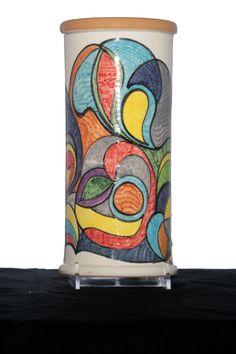 CAMIA.,vaso di ceramica ,forma cilindrica,decorato a mano,decorazione originale.Pezzo unico.Made in Italy