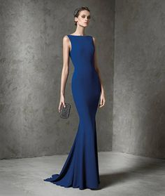 Pronovias Cocktail Collection 2016 ♥ Pronovias is already ahead of the game with these beautiful cocktail dresses from their 2016 collection. Each gown is flawlessly structured with a curve-hugging silhouette for bridesmaids, non-traditional brides, or wedding guests. Featuring sophisticated illusion necklines, dramatically plunging backs, and luxurious fabrics, this ensemble is making it so hard for me to pick a favourite.