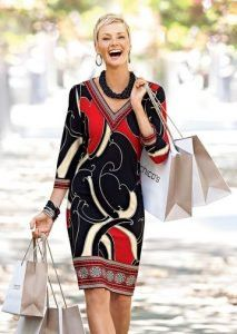 Best Outfits For Women Over 50 - Fashion Trends Chicos Fashion, 50 Fashion, Plus Size Fashion, Fashion Looks, Fashion Outfits, Fashion Tips, Fashion Trends, Grunge Outfits, Fashion Styles