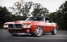 Restomod 1969 Pontiac Firebird http://www.musclecardefinition.com/
