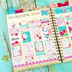 First have of the week on my @papersource weekly planner. Used a combination of stickers from @twolilbees, @stickittob and some that I made. Love how it turned out! Bright and fresh and ready for spring break for sure! Yum! #imreadywarm #hellospringbreak