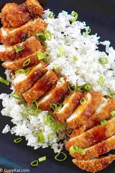 Make the best Japanese Chicken Katsu and Tonkatsu sauce with this easy, step-by-step recipe. Learn the secret to juicy, tender chicken with a crispy Panko crust. Think Food, I Love Food, Good Food, Yummy Food, Tasty, Chicken Katsu Recipes, Chicken Katsu Sauce, Chicken Thigh Recipes Oven, L&l Chicken Katsu Recipe