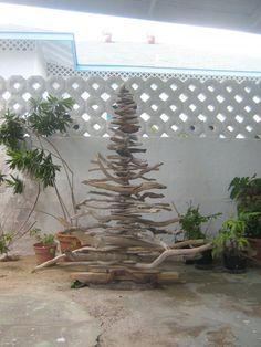 kerstboom van aangespoeld hout
