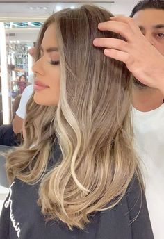 Blonde Hair Looks, Blonde Hair With Highlights, Brown Blonde Hair, Hair Color Guide, Balayage Hair, Bronde Hair, Bayalage, Pretty Hairstyles, Hairstyle Short