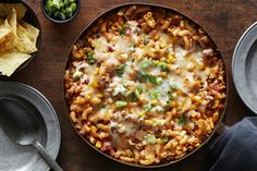 By cooking the pasta in the salsa mixture, you infuse the dish with great flavour. Beef Recipes For Dinner, Ground Beef Recipes, Cooking Recipes, What's Cooking, Pasta Recipes, Yummy Recipes, One Dish Dinners, One Pot Meals, Main Meals