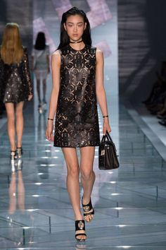 Versace Spring 2015 Ready-to-Wear - Versace Ready-to-Wear Collection