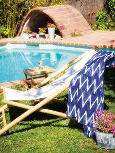Muebles de bambú muy mucho en la revista Micasa Picnic Blanket, Outdoor Blanket, Home, Style, Bamboo Furniture, Ranch, Pools, Terrace, Water