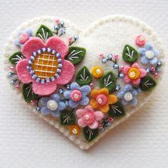Lovely heart things: Felt miniatures from Paulette Racanelli