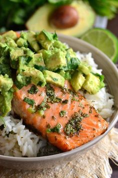 Beautiful honey, lime, and cilantro flavors come together is this tasty sa… Avocado Salmon Rice Bowl. Beautiful honey, lime, and cilantro flavors come together is this tasty salmon rice bowl. Fish Recipes, Seafood Recipes, Cooking Recipes, Recipes With Avocado, Vegetarian Recipes, Skin On Salmon Recipes, Salmon Recepies, Keto Recipes, Quiche Recipes