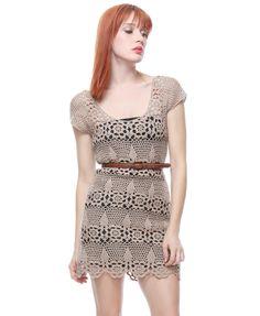 Vestido Bege de Crochet.