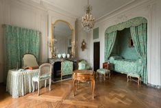 *Rococo Revisited - Versailles, Madame de Pompadour's apartment Madame Pompadour, Pompadour Fade, Alcove Bed, Interior Architecture, Interior Design, Fontainebleau, Palace Of Versailles, Bedroom Green, Marie Antoinette