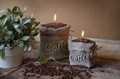 Zapachowe świeczki ozdobne w kształcie worków kawy i o zapachu kawy. Bardzo Ładne ze sklepu internetowego ze świeczkami zapachowymi https://korleone.pl/