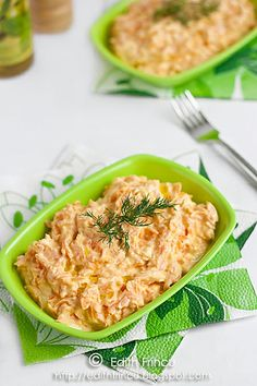 Carrot and Yogurt Salad. Carrot and yogurt Turkish salad with garlic Avocado Salad Recipes, Healthy Salad Recipes, Meat Recipes, Appetizer Recipes, Vegetarian Recipes, Cooking Recipes, Cold Vegetable Salads, Clean Eating, Healthy Eating