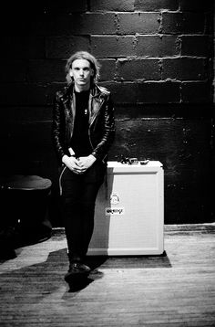 Back when the locks were long. Jamie Campbell Bower, Lily Collins, The Mortal Instruments, All Fashion, Gorgeous Men, Cute Boys, Editorial Fashion, Hot Guys, Grunge Guys