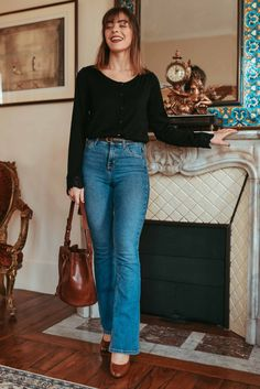 Love the cut of these jeans! Looks Chic, Looks Style, Casual Looks, Style Désinvolte Chic, Parisian Chic Style, Casual Outfits, Cute Outfits, Fashion Outfits, Style Chic Parisien
