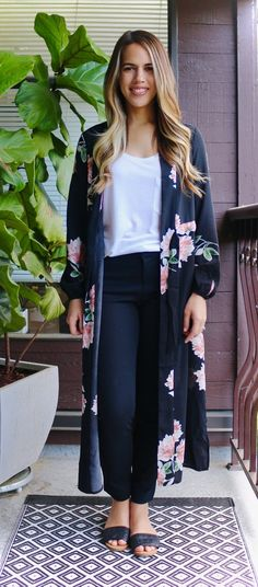 Jules in Flats - How to wear a Kimono at Work -
