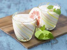 Anrühren, Austrinken, Abnehmen - so einfach kann eine Diät sein. Wir stellen Euch die besten 6 Shakes vor, die effektiv Fett killen! | eatsmarter.de