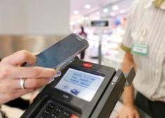 Los supermercados Mercadona son uno de los que mayor éxito tienen en España. Una de las claves de su éxito es el uso de nuevas tecnologías.¿Lo último? el pago por proximidad en todos sus establecimientos. Este modo de pago consiste en la posibilidad que tienen clientes de la compañía para abonar sus compras con dispositivos tanto de Visa como de Mastercard (tarjetas, teléfonos móviles, pulseras...). Otro ejemplo es el uso de almacenes automatizados…