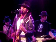 """Naveen Andrews """"Born To Lose"""" with Camp Freddy from the Roxy on Dec.23 2008"""