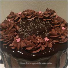 Bursdagskake. Sjokoladekake. Chocolate cake. Tones kaker og andre søte saker