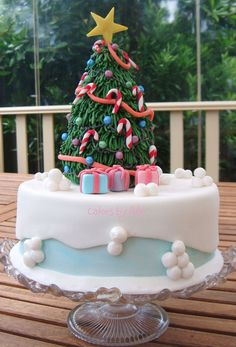 My family Christmas cake - December 2012 by Cakes by Ade