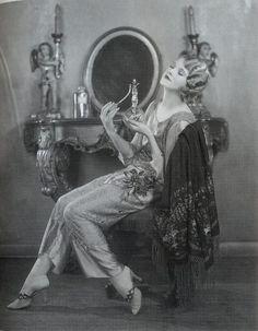 jeanjeanie61: Thalia Barbarova c.1920 http://girlflapper.blogspot.com