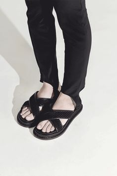 City WALK shoes cute ladies strappy sandal with flower applications black