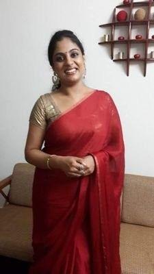 Mekhela Chador, Indian Natural Beauty, Aunty In Saree, Beautiful Indian Actress, Beautiful Roses, Indian Actresses, Beauty Women, Curves, Backless