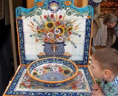 This large floral sink has at least one fan! :D Polish pottery