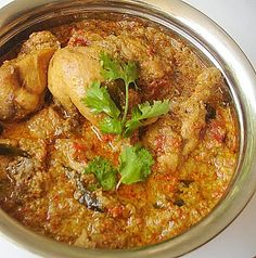 Chicken Chettinad Curry Chicken chettinad is a popular curry dish in India. Chicken is marinated with chili powder, lemon juice, turmeric powder and cooked in dry roasted spices, coconut and coriander leaves. You can serve hot with chappati,. South African Recipes, Indian Food Recipes, Asian Recipes, Ethnic Recipes, Andhra Recipes, Kerala Recipes, Indian Foods, Indian Snacks, Sri Lankan Chicken Curry