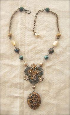 French KeepsakeAntique Vintage Fleur De Lis Locket by Opaline1214 /215.